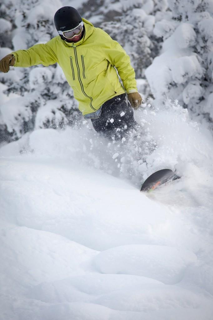 Off piste snowboarding guiding Portes du Soleil