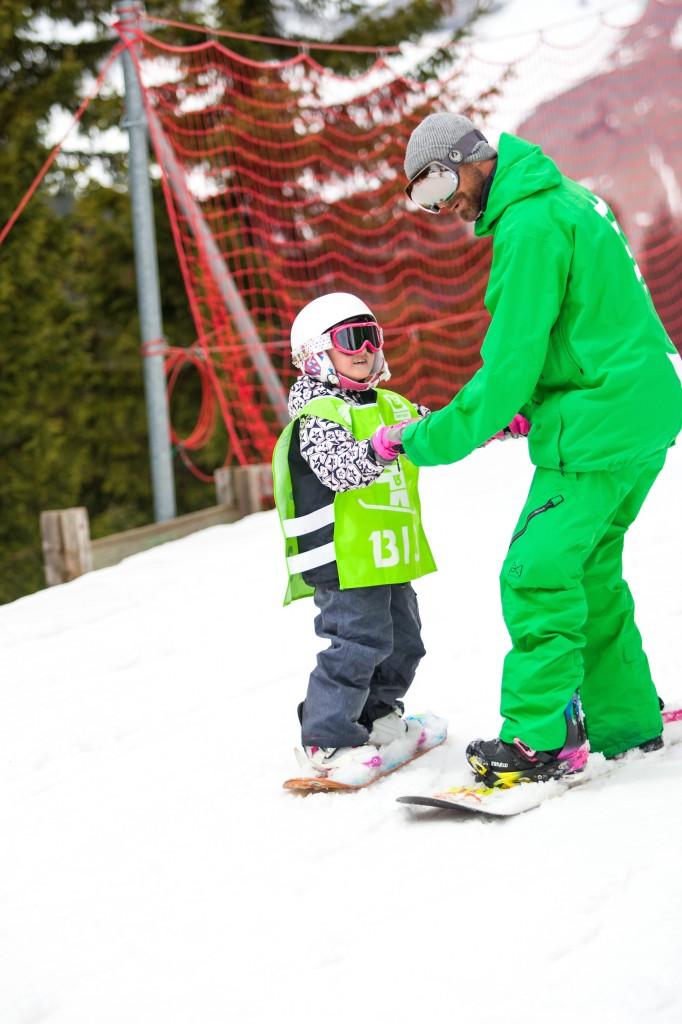kids snowboard lessons france