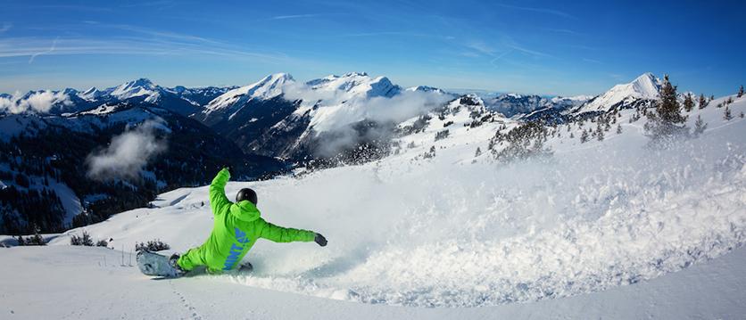 off piste snowboard