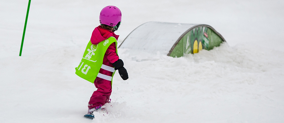 kids snowboard lessons in morzine, avoriaz, les gets & chatel