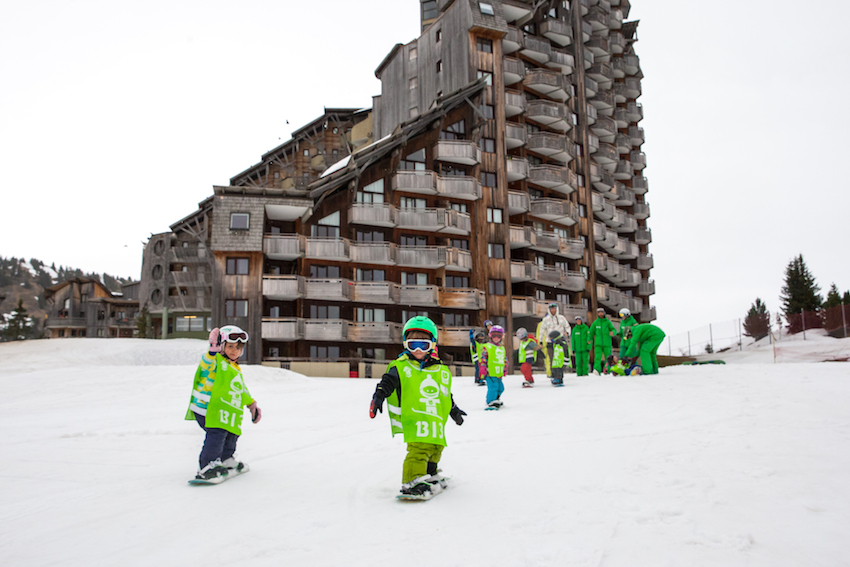 avoriaz children snowboard lessons