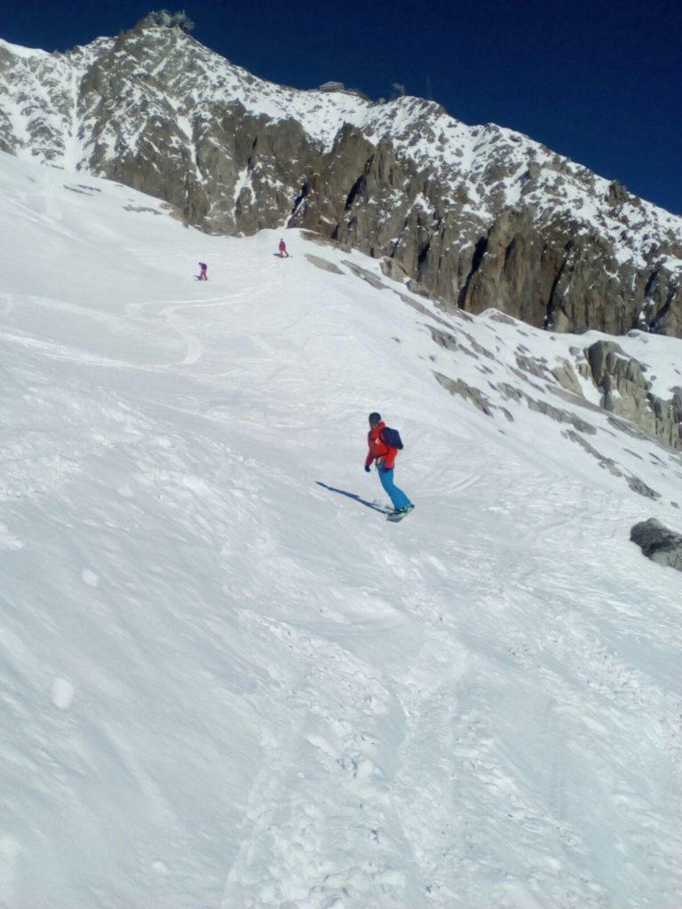 Snowboard guiding off piste chamonix courmayeur