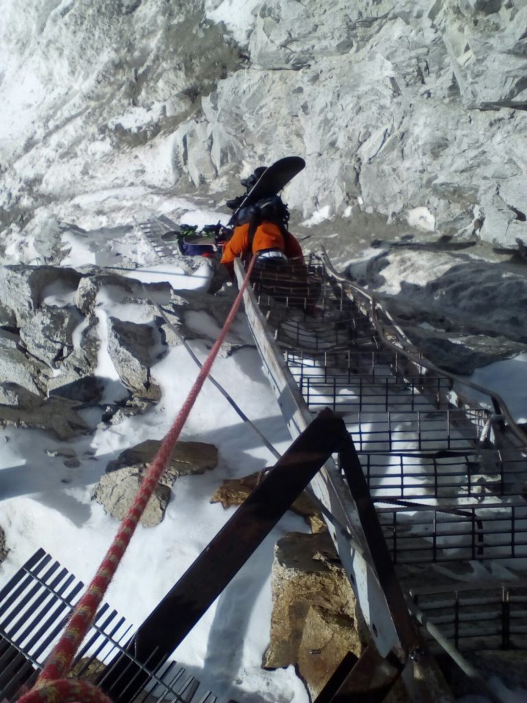 Snowboard / ski guiding Glacier de Toule, off piste