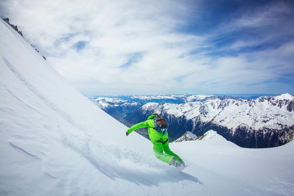 snowboard off piste course in chamonix
