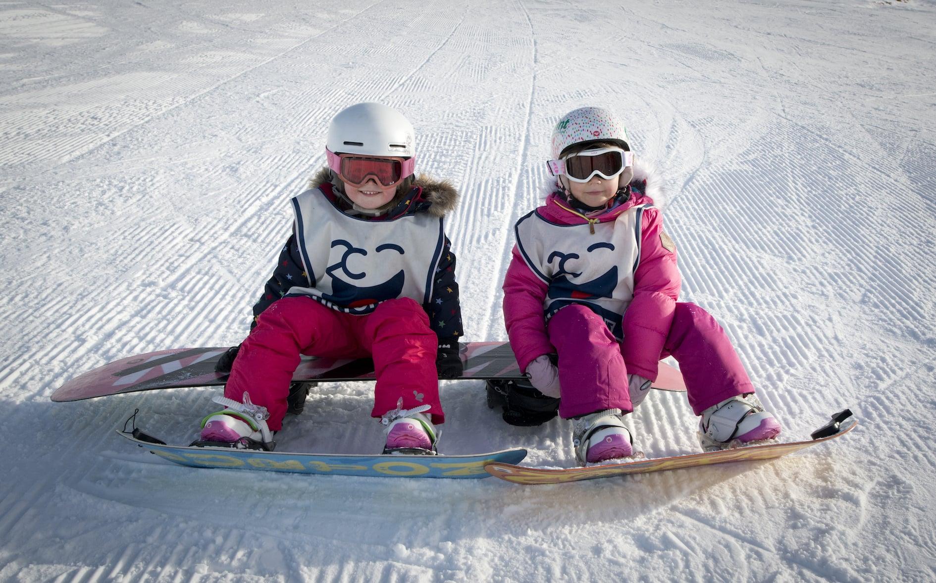 kids snowboard lessons morzine