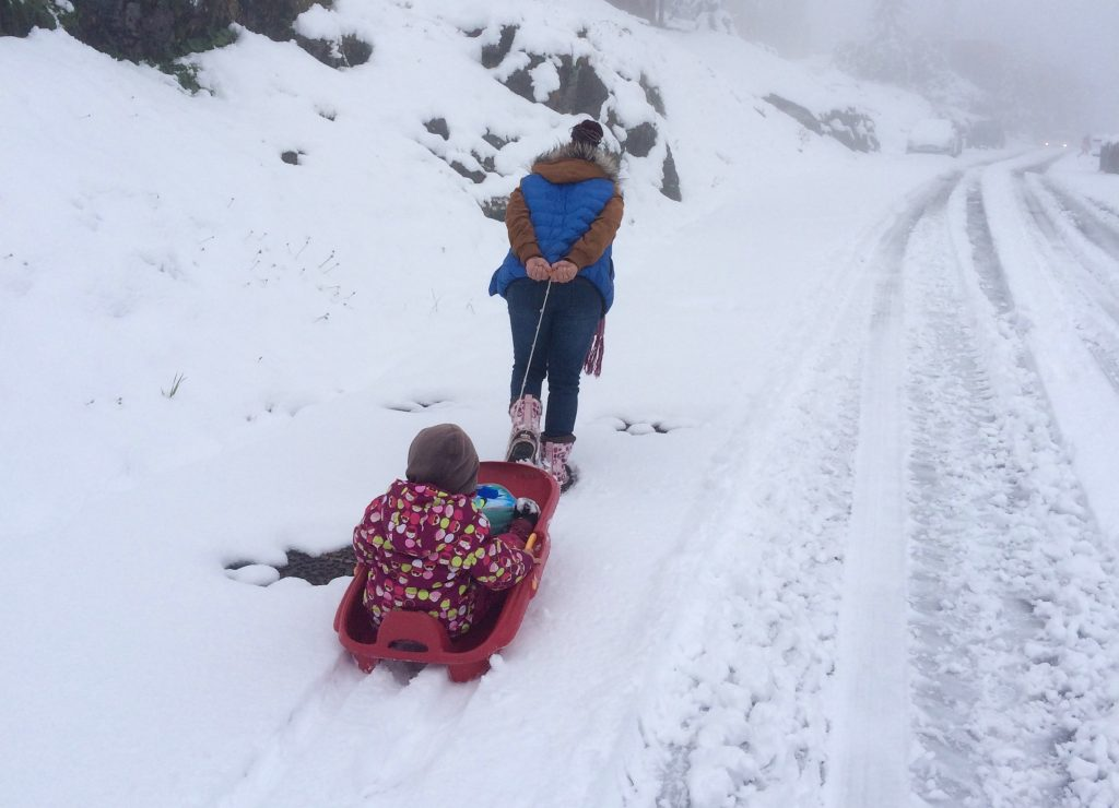 taking kids to school in snow