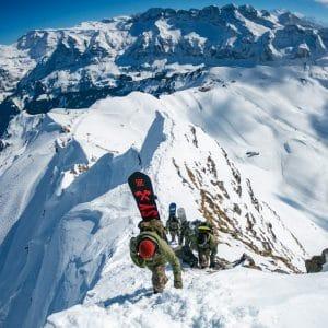 off piste snowboarding
