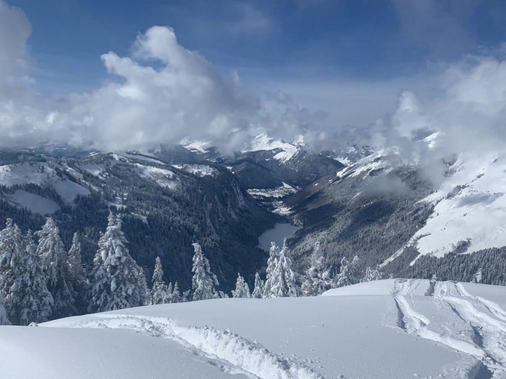 Ski Holiday Coronavirus